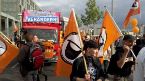 FSA-2014 - Piraten zeigen Flagge / CC-BY Checkdisk